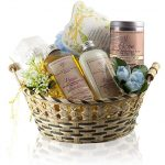 Pampering Gifts For New Mom To Celebrate Life's New Journey