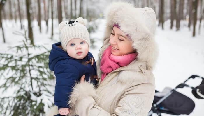 winter-mom-baby